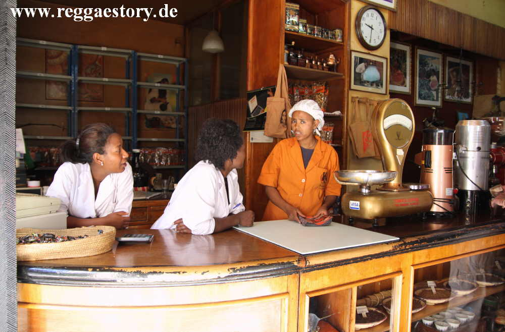 Ethiopia - Addis Ababa - Coffee Shop - TO.MO.CA